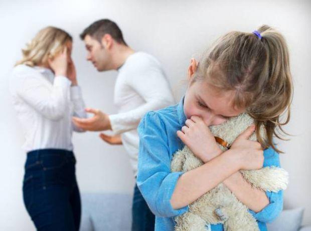 Суперечки та сварки неминучі в будь-яких взаєминах, і стосунки між подружжям не виняток. Однак коли у вас з'являються діти, слід бути обережними у сво