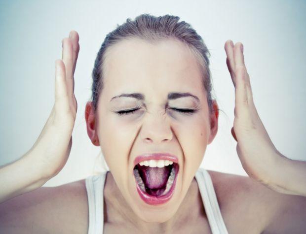 Тим, хто страждає герпесом лікарі рекомендують цілеспрямовано боротися зі стресом, розслаблятися і відволікатися від щоденних проблем.