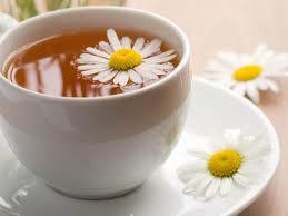Чашка ромашкового чаю допоможе запобігти ракові грудей, стверджують дослідники. Чай містить особливу хімічну речовину - апігенін, який блокує розмноже