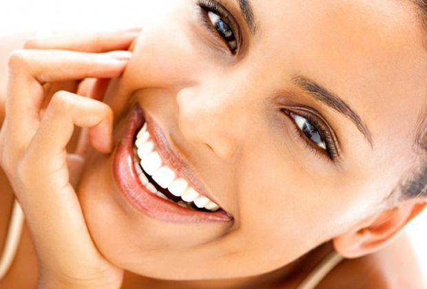 Красива посмішка - важлива частина іміджу. Комплексний догляд, збалансоване харчування і корисні звички допоможуть зберегти здоров'я зубів надовго.