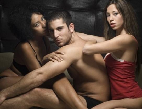 У минулих стаття х ми вже говорили про те, що дослідниками було всановлено той факт, що лише розумні чоловіки не зраджують своїм дружинам, тобто, чоло