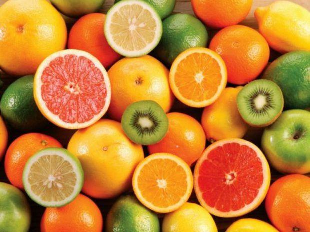 Так, фрукти - це вітаміни, але варто знати, коли краще їх вживати.