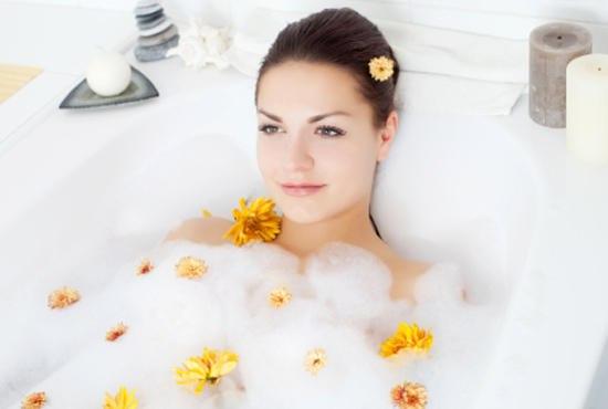Існує чимало різноманітних додатків до ванни, які зможуть зробити процедуру більш приємною та корисною. Найбільш поширеним таким додатком є морська сі