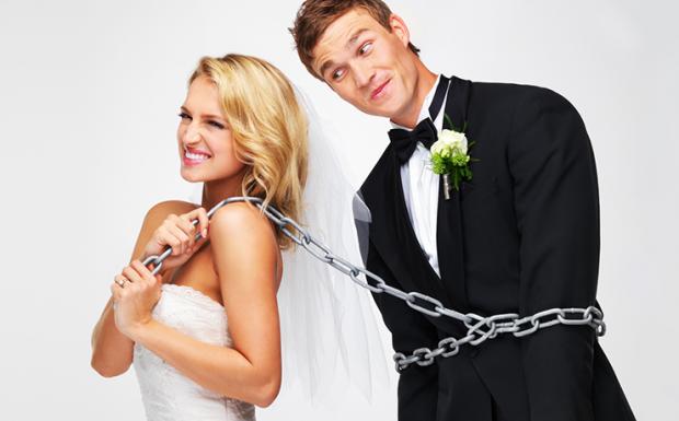 У чому причина, чому жінки так рвуться виходити заміж - читайте далі.