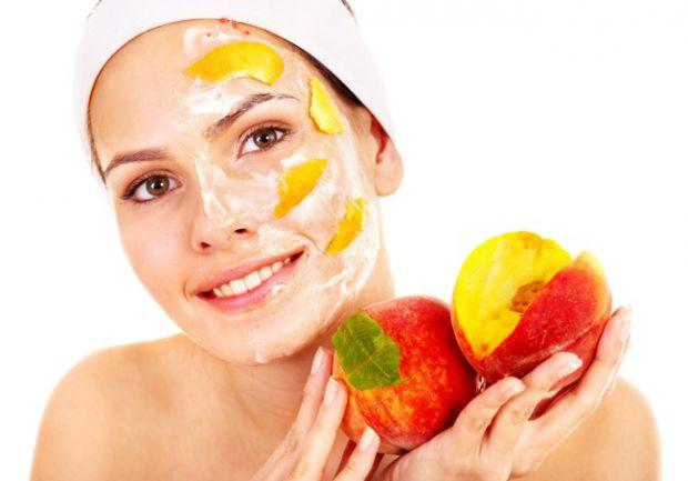 Весняний догляд суттєво різниться від того, який косметологи радять на інші пори року. Навесні треба взятися за очищення та зволоження обличчя, оскіль