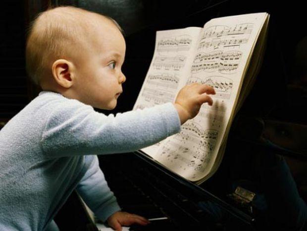 Всі діти різні і особливі, тому батьки часом не замислюються щодо унікальних здібностей свого малюка. Як роздивитися маленького генія у родині?
