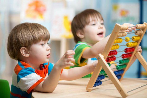 Визначіть здібності дитиниВарто відвести дитину до психолога, щоб він визначив її здібності на рівні її психотипу. Тому, що дитина може відмінно малюв