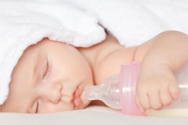 Для дітей, які схильні до діатезу, характерні особливі зовнішні прояви. Зазвичай ці діти народжуються зі збільшеною масою тіла. У дитини, незважаючи н