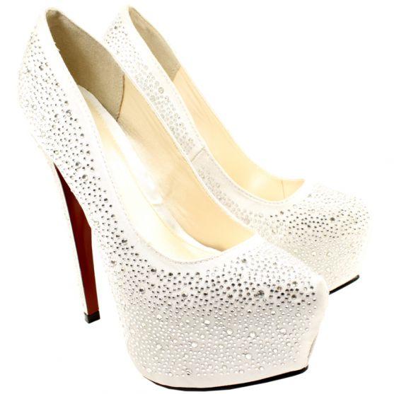 Приготування до Вашого весілля тривають. Ось Ви придбали туфлі. Вони розкішні, проте усі знають, що таке коли взуваєш взуття вперше. Пропонуємо Вам зр