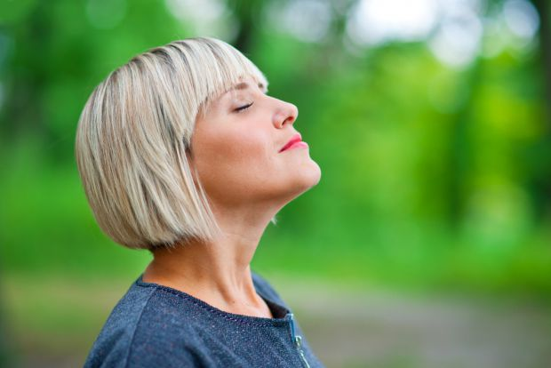 Вчені з Наукового інституту Вейцмана з'ясували: вдихання повітря покращує роботу мозку, передає