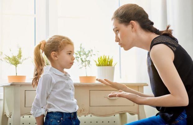 Майже кожні батьки карають свою дитину. Однак характер покарань може бути різним. Як правильно це робити, щоб не завдати шкоди малюку - читайте далі.