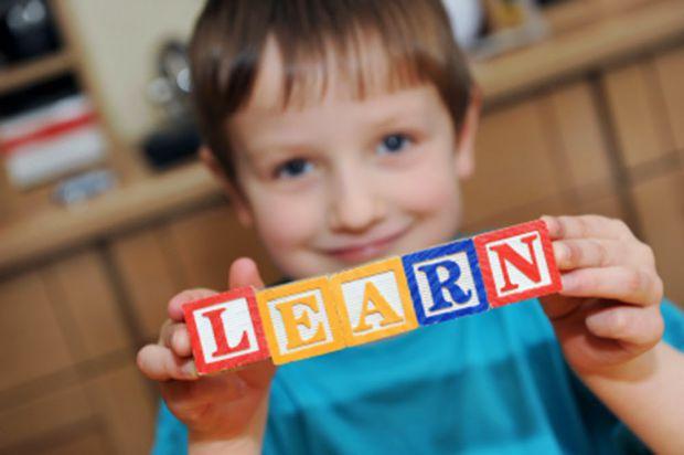 Дитина, з малих років не розуміє англійської, а в юності вільно володіє, як мінімум, двома-трьома мовами, - «блакитна мрія» багатьох сучасних батьків.