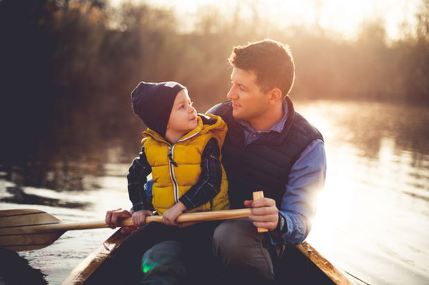 Кожна мама бажає своїй дитині щастя. Особливо в дорослому віці, коли вже батьки не в силі впливати на вибір і дії власних чад. Як же виховувати синочк