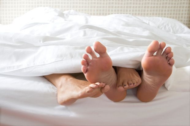 Чомусь деякі (і їх більшість) чоловіки вирішили, що порно - практичний посібник з сексу. І з завзятістю з разу в раз повторюють (чи пробують повторити