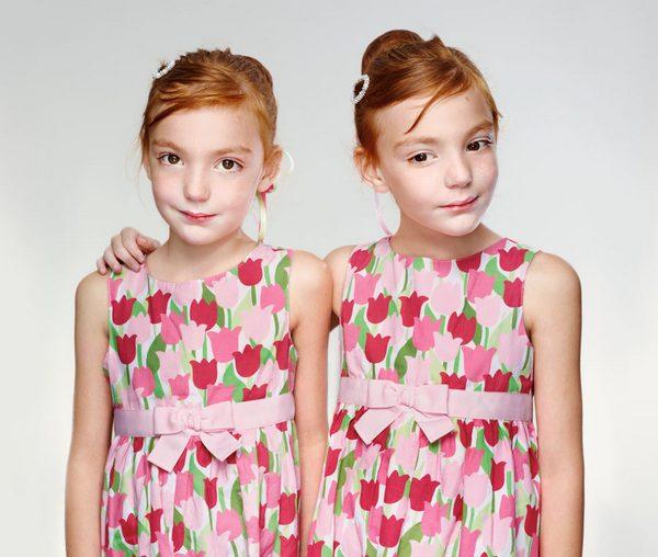 Кожен сам обирає, як вдягати своїх дітей, але все ж таки існує декілька точок зору, як може вплинути схожість дітей один на одного.