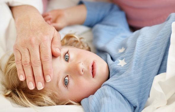 Якщо дитина захворіла на грип, ви напевно прагнете всіма мислимими і немислимими методами допомогти їй позбавитися від недуги. Але часом ваша допомога