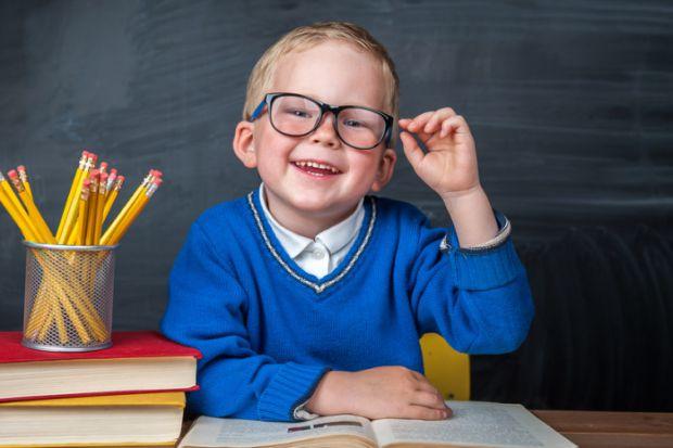 Психологиня Олена Науменко розповіла, що відправляти малечу до школи найкраще у 7 років, адже тоді в неї вже достатньо розвинена сенсорна та сенсомото