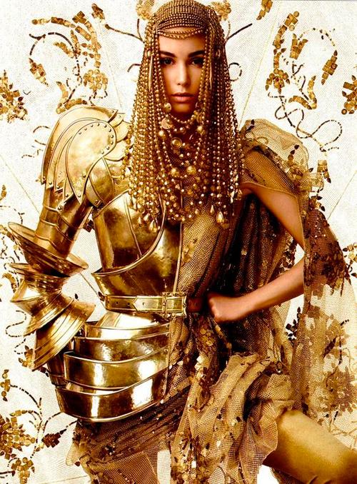 Ювелірні вироби в усі часи було прийнято вважати не тільки вишуканим подарунком, але і найбажанішим символом багатства і достатку, але ось, як золото