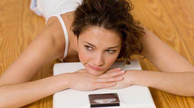 Щоб перемогти над зайву вагу потрібна не тільки сила волі. Дієтологи розповіли, що звичка щодня вставати на ваги мотивує людину до правильного харчува