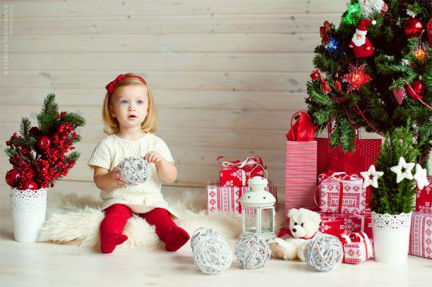 Як показують дослідження вчених, розвиток дитини без іграшок проходить не тільки набагато швидше, але і краще. Особливо іграшки погано впливають на ро