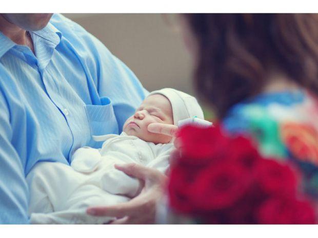 Виписка з пологового будинку такий же важливий день для мами і малюка, як і день народження дитини. Що потрібно підготувати перед випискою, щоб цей де