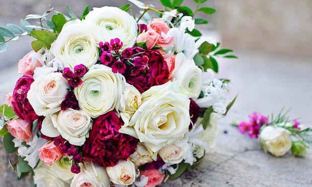 Весільний букет - один  найголовніших аксесуарів Вашого весільного образу. Тож обираючи його варто бути дуже уважним, щоб не переборщити або навпаки.