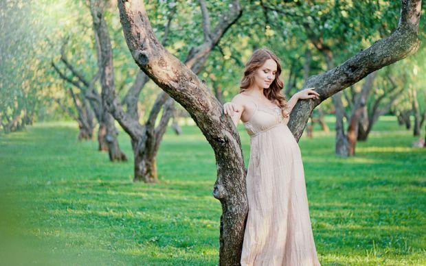 Серед українських жінок стає популярним донорство яйцеклітин. Як правило, донорів шукають іноземці. Однак варто знати, що процедура, за яку українки о