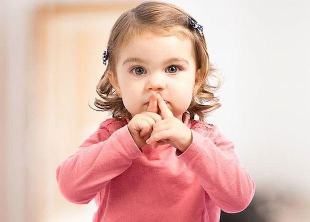 Діти постійно говорять, вони хочуть уваги завжди і всюди, а ще задають мільйон запитань. І якщо поки ви у себе вдома і така ситуація для вас - норма,