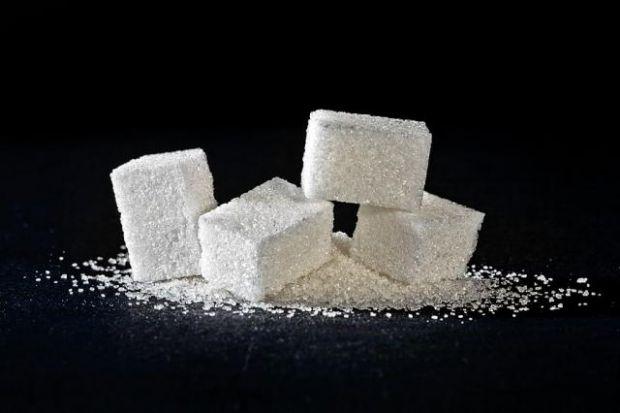Рівень споживання цукру слід зменшити до 5 чайних ложок в день - такої думки притримуються вчені з Університету Ньюкасла.