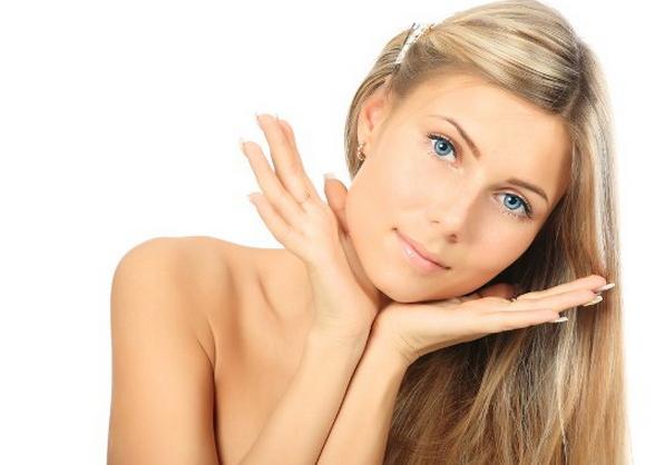 Догляд за сухою шкірою обличчя.За обличчям обов'язково потрібно доглядати щодня, щоб шкіра була зволоженою, зберігала пружність і залишалася якомога д
