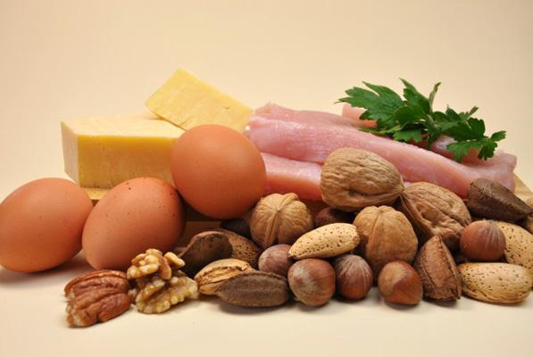 Раціон, багатий білками і клітковиною, - правильний вибір, якщо хочете зменшити об'єм жирових відкладень в області талії, заявляють експерти.