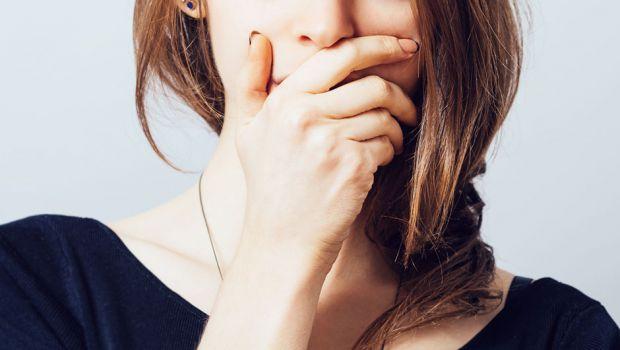 Незвичайні причини, чому може неприємно пахнути з рота.