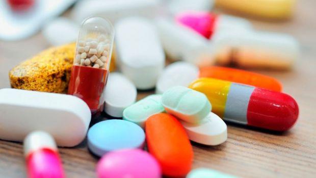 Вплив антибіотиків на дитину.Простудні захворювання в організмі дітей першого року життя розвиваються стрімко, тому педіатри часто практикують інтенси