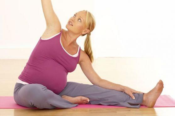 Використання гімнастики для вагітних рекомендовано, тільки тим майбутнім мамам, у яких вагітність протікає в нормальному режимі. При явищах токсикозу