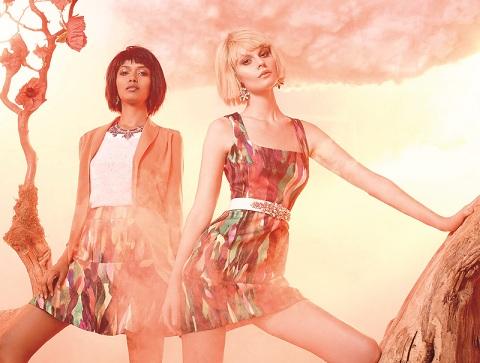 За допомогою легких надихаючих знімків популярний дизайнер Кіра Пластініна висловилася на тему, як повинна виглядати леді цієї весни та літа.
