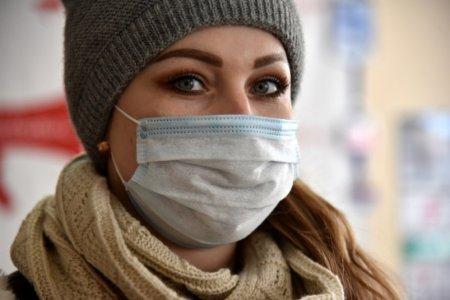 За словами токсиколога Олексія Водовозова, носіння засобів індивідуального захисту (ЗІЗ), а саме масок, взимку має свої особливості, якщо ви хочете, щ