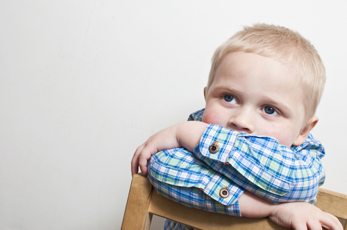 Іноді батьки скаржаться, що дитина не слухає, не хоче вчитися, не хоче йти на контакт з ровесниками. Змушують чадо все робити наперекір його уподобанн