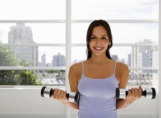 Ваші руки можуть значно зменшитися в об'ємі і набути витонченого вигляду, якщо ви почнете тренуватися. Не бійтеся почати тренування, адже результат з'