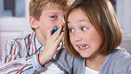 Ви досі дивуєтесь, коли ваша дитина починає говорити погані слова? Звідки вона їх набирається? Давайте розберемося, як з цим боротися.