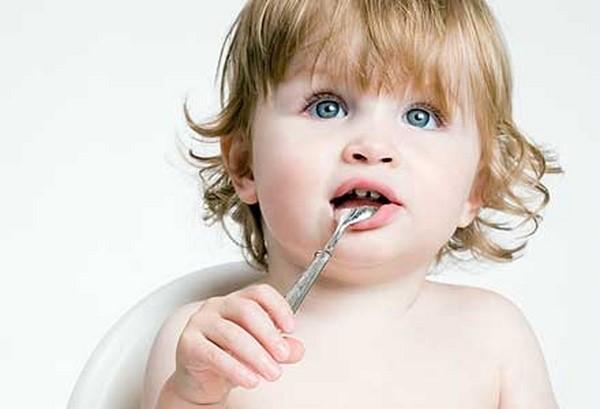 Традиція доволі давня - дарувати малюку срібну ложку. Навіщо це роблять - читайте далі.