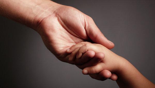 Сьогодні все частіше люди приходять до лікарів із скаргами на оніміння рук чи окремих пальців.Про що свідчить дане явище і як його позбутися?