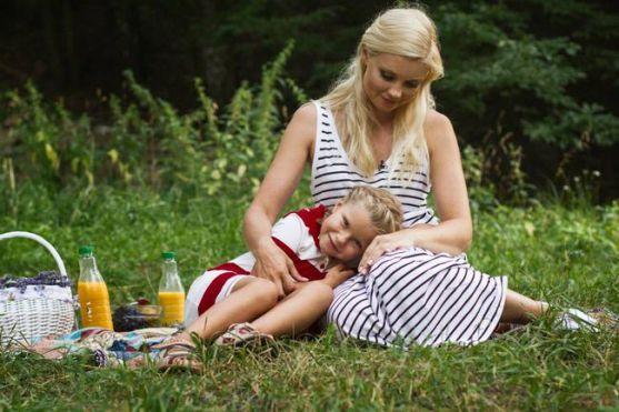 Ведуча ТСН Лідія Таран показала 5-річну доньку Василину, яка помітно підросла за літо. Зірка 1 +1 дала ексклюзивне інтерв'ю журналу