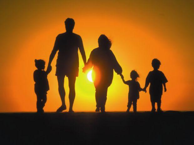 У сім'ях, де батьки страждають на ожиріння, найчастіше діти у майбутньому стають стрункими.