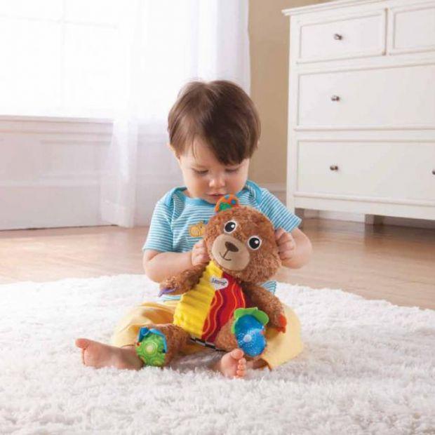 При покупці дитячих іграшок важливо звертати увагу на декілька головних критерій.