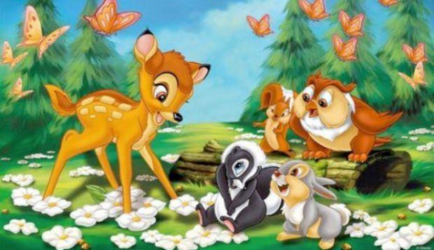 Про маленького оленя Бембі - лісового принца, який з'явився на світ одним прекрасним ранком. Всі звірі лісу збіглося подивитися на цього малюка...