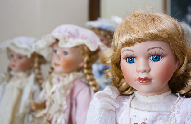 Лестершир Бен Кенем, купив на розпродажі з вигляду звичайну ляльку, але з моменту появи іграшки в будинку, в його житті почали відбуватися доволі дивн