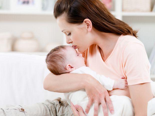 Іноді матусі скаржаться на безліч проблем, що виникають у них під час вигодовування немовляти.Завдяки відео та кваліфікованим порадам Ви легко позбуде