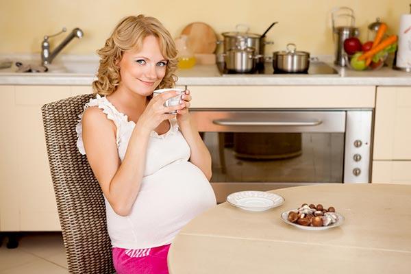 Гінекологи стверджують, що повні вагітні народжують великих немовлят і тому пологи проходять складніше. Але на практиці це не завжди підтверджується.