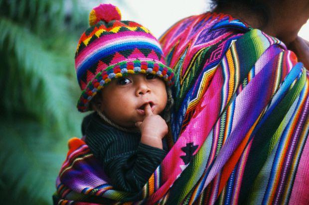 Чи можна використовувати слінги для новонароджених?