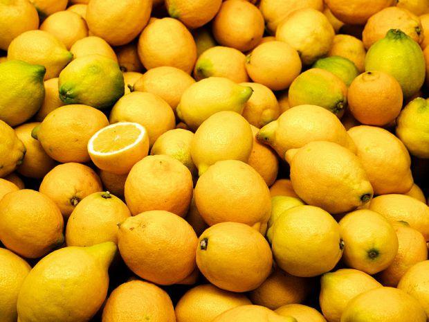 У матеріалі ви знайдете декілька порад стосовно використання лимона для страв.